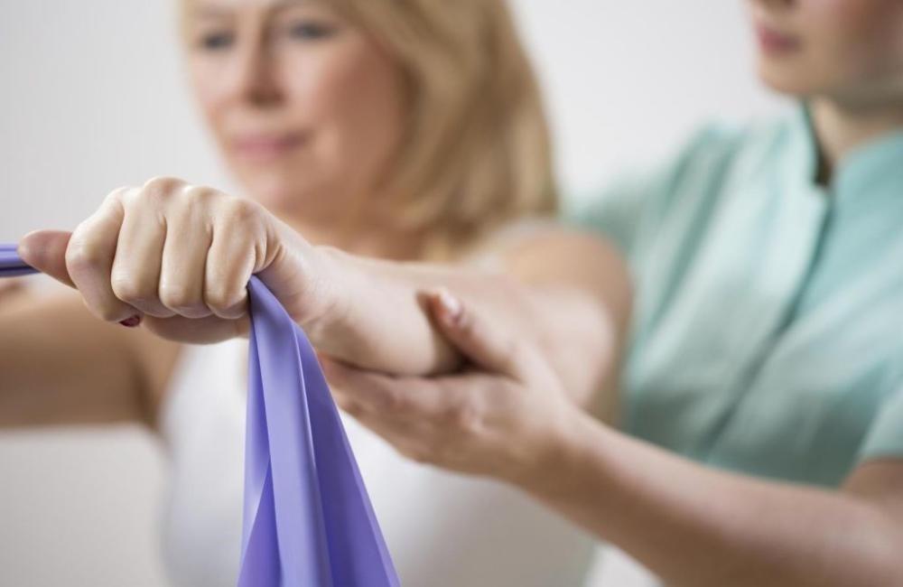Восстановление подвижности руки